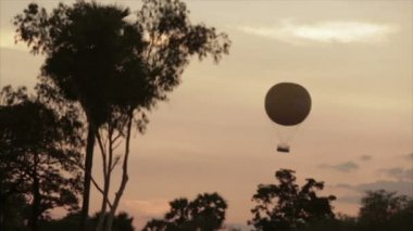 Balloon sunset — Stock Video