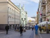 Moskau, Russland, am 9. September 2014. die Fußgängerzone in der Innenstadt. Kusnezki Brücke Straße — Stockfoto