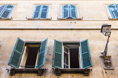 Rome, Italy, on October 10, 2012. Architectural details of old houses — Stock Photo