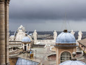 Rome, Italy, on February 22, 2010. A view of the city from a survey platform of St. Peter's Cathedral — Foto de Stock