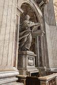 Рим, Италия, 22 февраля 2010. архитектурный фрагмент мебели для комнат собора peter's Св. в Ватикане — Стоковое фото