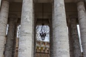 Rome, Italy, on February 22, 2010. Bernini's colonnade in Vatican. Fragment. — Stock Photo