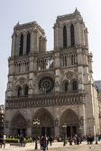 Paris, France, le 27 mars 2011. Notre-Dame. Notre-Dame est un des sites plus connus de Paris — Photo