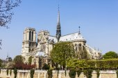 Paris, France, on March 27, 2011. Notre-Dame. Notre-Dame is one of the most known sights of Paris — Stock Photo