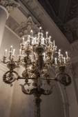 St. Petersburg, Russia, on July 24, 2012. A chandelier in one of museum halls the State Hermitage. The Hermitage - one of the best-known art museums of the world — Stock Photo