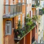 Nice, France, on March 13, 2015. The old city, typical architectural details in Provencal style — Foto de Stock