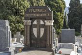 Nice, France, on March 13, 2015. Gravestone monuments on a city cemetery — Stock Photo