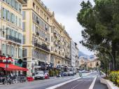 Nice, France, on March 13, 2015. The view on Promenade des Anglais, one of the most beautiful embankments of Europe — Stockfoto