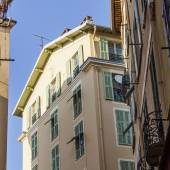 Nice, France, on March 7, 2015. The old city, typical architectural details in Provencal style — Stock Photo