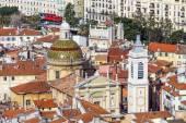 Nice, França, em 7 de março de 2015. A vista superior em telhados vermelhos da cidade velha — Fotografia Stock