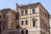 Rome, Italy, on March 6, 2015. Architectural fragments of typical city buildings — Foto de Stock
