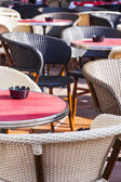 Nice, France, on March 7, 2015. Little tables of summer cafe in the old city — Stock Photo