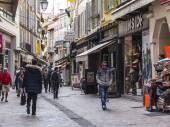 カンヌ、フランス、2015 年 3 月 12 日に。歩行者ショッピングストリートに行く — ストック写真