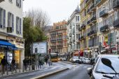 Nice, France, on March 14, 2015. Typical urban view. — Stock Photo