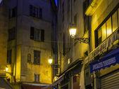 Nice, Francie, na 13 březnu 2015. Staré město v večerní osvětlení. — Stock fotografie