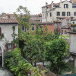 VENICE, ITALY - on MAY 1, 2015. House. A view from the window in a typical Venetian court yard — Stock Photo #75087629