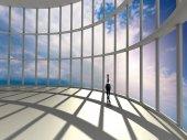 Zakenvrouw permanent in kantoor en kijken naar hemel in venster — Stockfoto