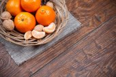 Tangerines on wooden table — Stock Photo