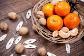 Mandarynki na drewnianym stole — Zdjęcie stockowe