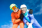 A couple on mountain vacation. Dolomiti Superski, Itlay — Stock Photo