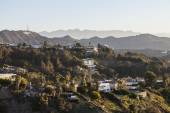 Hollywood Hills Homes below Hollywood Sign — Stock Photo
