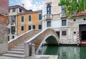イタリア、ベニスを運河します。 — ストック写真