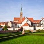 Church and garden on Ostrow Tumski, Wroclaw, Poland — Stock Photo #66282283