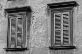 Window in the city of Bergamo, Lombardy, Italy — Foto Stock