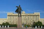 Monument to Lenin on Moscow Square, St Petersburg — Stock Photo