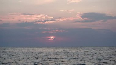 Quiet sea at sunset — Stock Video