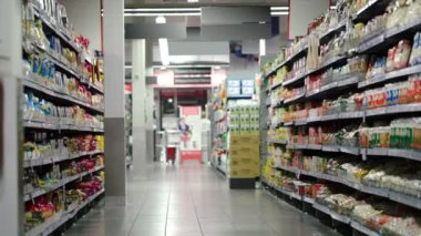 Supermarket section with products — Стоковое видео