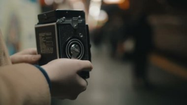 Woman making shot of arriving underground train — Stock Video