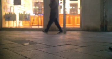 People Walking the Street — Stock Video