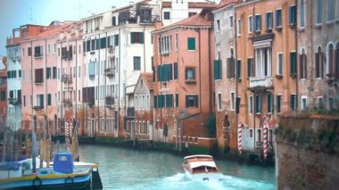 Motor Boat Sailing along the Water Canal in Venice, Italy. — Stock Video
