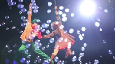 Aerial Acrobacy Act Shown by Children — Stock Video
