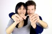 Couple in love deciding to stop smoking — Stock Photo