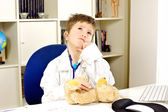 Child doctor playing — Stockfoto