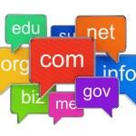 Burbujas del discurso con los nombres de dominio — Foto de Stock   #67017843
