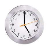 Pięć godzin na tarczy zegara — Zdjęcie stockowe