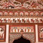 Ornately decorated Rajput palace entrance — Stock Photo #80370004