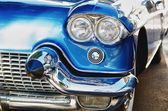 Headlight of a old time chrome classic car — Stock Photo