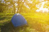 Turistiska camp på tidigt på morgonen — Stockfoto