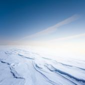 Winter snowbound hill at the early morning — Stock Photo