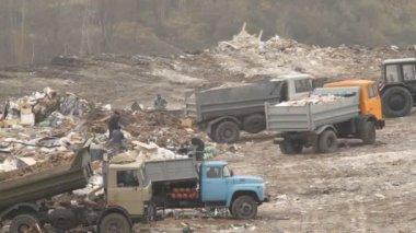 Garbage trucks — Stock Video