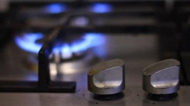 Turns on gas stove — Stockvideo