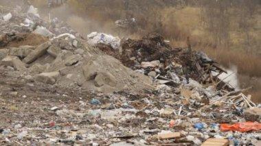 Garbage dump — Stock Video