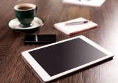 Coffee break with web surfing — Stock Photo