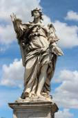 Marble statue of angel from the SantAngelo Bridge in Rome, Ital — Stock Photo