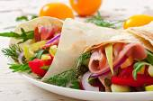 Fresh tortilla wraps with meat — Stock Photo