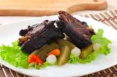 Baked beef ribs with  vegetables — Stock Photo